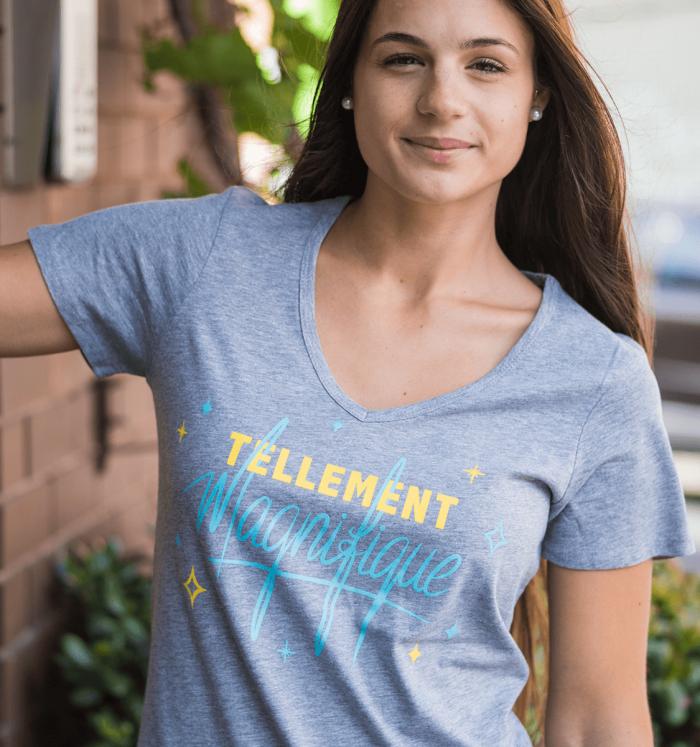 """Woman V-neck T-shirt """"Tellement magnifique"""""""